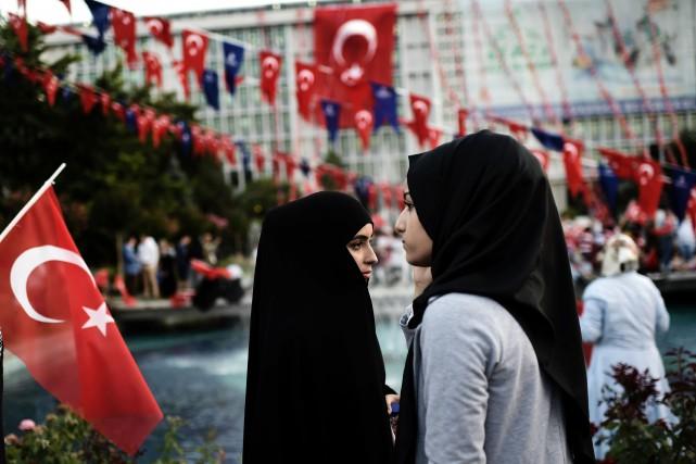 Les femmes pourront désormais, si elles le souhaitent,... (Photo Aris Messinis, archives Agence France-Presse)