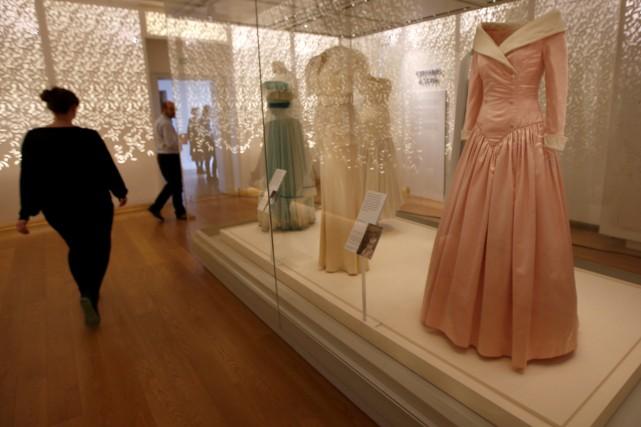 Vingt ans après la mort tragique de Lady Diana, une exposition présentée à... (PHOTO REUTERS)