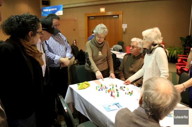Plus de 300 citoyens ont partagé leurs idées... (Julie Catudal, La Voix de l'Est)