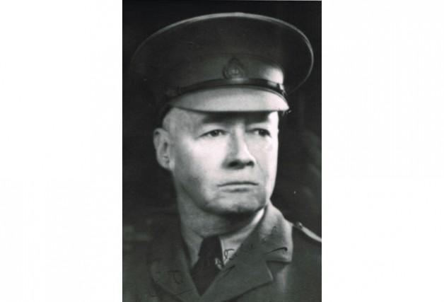 Le lieutenant-colonel Charles Ross Whitehead, commandant du Three...