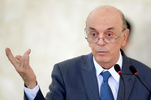José Serra, 74 ans, a démissionné de ses... (Photo EVARISTO SA, AFP)