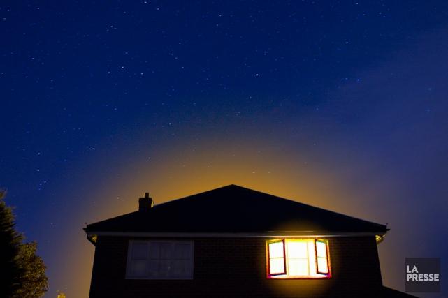 Rénover sa maison pour qu'elle consomme le moins d'énergie possible n'est pas... (Photomontage La Presse)