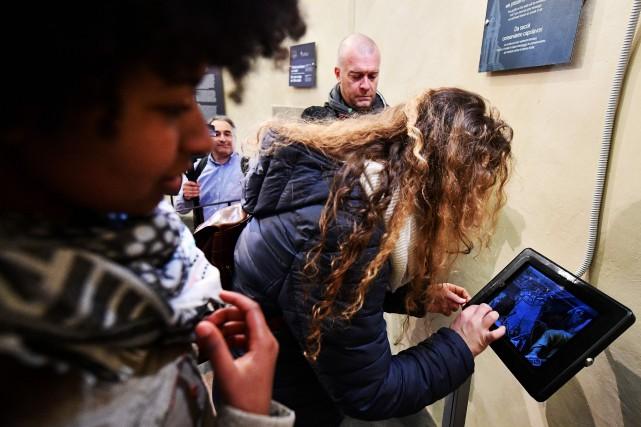 À la différence des inscriptions sur les murs,... (PHOTO VINCENZO PINTO, AFP)
