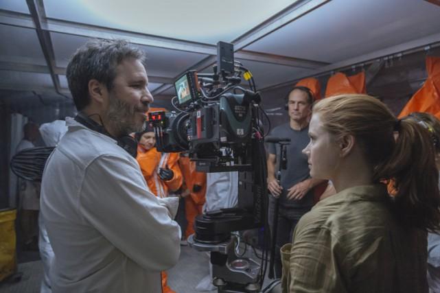 Denis Villeneuve et Amy Adams pendant le tournage... (Fournie par Paramount Pictures)
