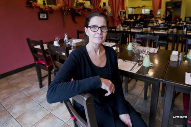 Guylaine Dubois a décidé de rouvrir son restaurant... (Archives La Tribune)