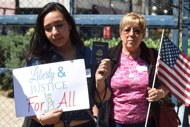 Des citoyens américains vivant au Mexique ont profité... (AFP, Alfredo Estrella)
