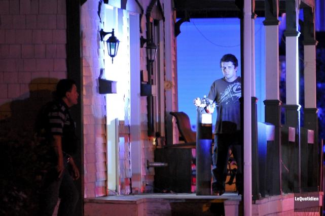 Simon Simard était apparu sur le balcon de... (Archives Le Quotidien, Rocket Lavoie)