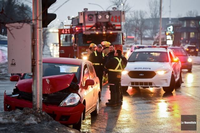 Cet accident est survenu sur le boulevard des... (François Gervais, Le Nouvelliste)
