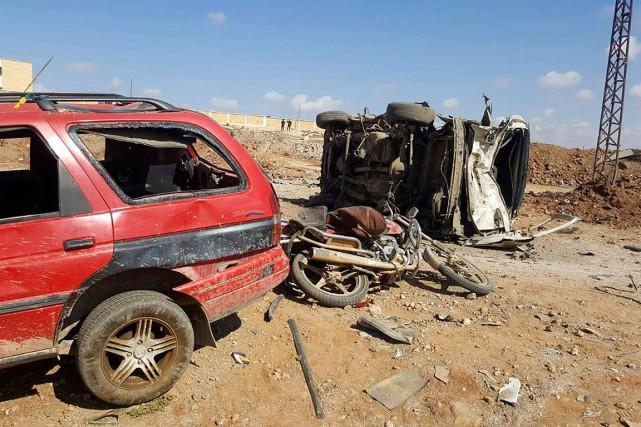 Un kamikaze a tué au moins 51 personnes,... (PHOTO AP/Thiqa News Agency)