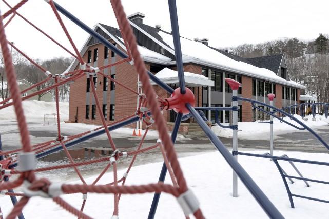 L'école primaire Marguerite-D'Youville a dû faire rentrer les... (Le Soleil, Yan Doublet)