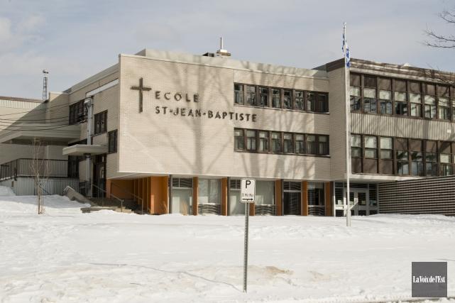 L'école Saint-Jean-Baptiste, à Roxton Falls, a été fermée... (archives La Voix de l'Est)
