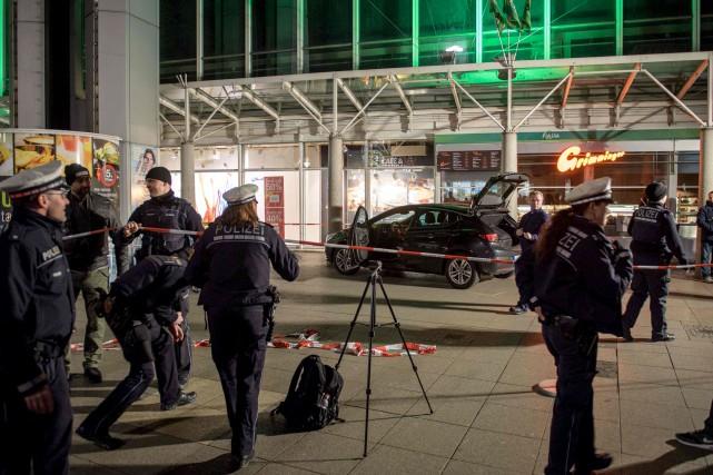 Après avoir foncé sur des passants,le conducteur -... (AFP, Thomas Lhones)