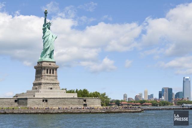 Paralysie budgétaire: la Statue de la Liberté rouvrira lundi