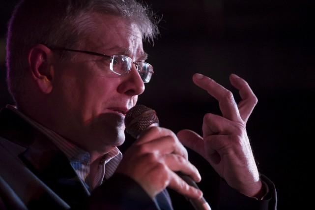 Le député néo-démocrate Charlie Angus a annoncé dimanche... (La Presse canadienne, Chris Young)
