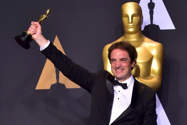Le Québécois Sylvain Bellemare a reçu l'Oscar du... (AFP, FREDERIC J. BROWN)