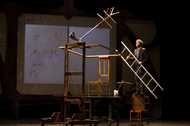 Parmi les principes mécaniques et physiques qu'il utilise... (Photo Éric Myre, OKI spectales)