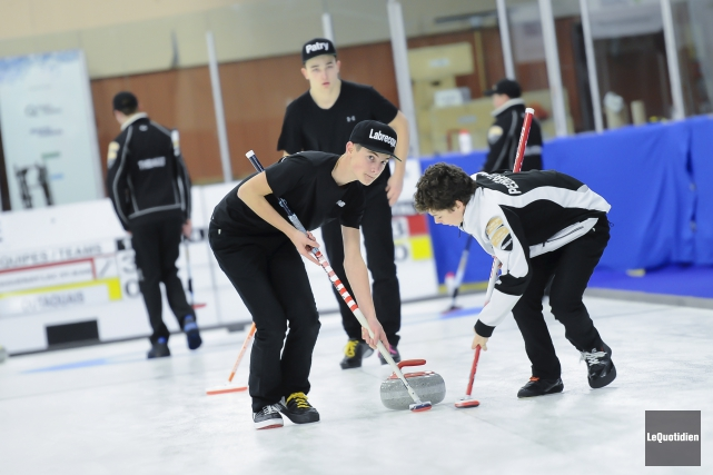 L'équipe masculine de curling de la région a... (Photo Le Quotidien, Gimmy Desbiens)