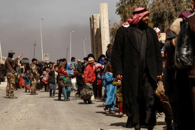 Au moins 16000personnes auraient été déplacées de la... (Photo Zohra Bensemra, REUTERS)