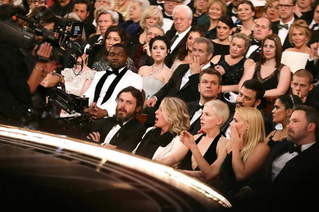 De nombreuses vedettes qui assistaient à la cérémonie... (PHOTO MATT SAYLES, ASSOCIATED PRESS)