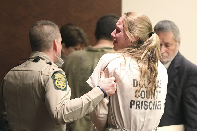 Kayla Norton (à sa sortie du tribunal lundi,... (Photo Henry P. Taylor/Atlanta Journal-Constitution via AP)