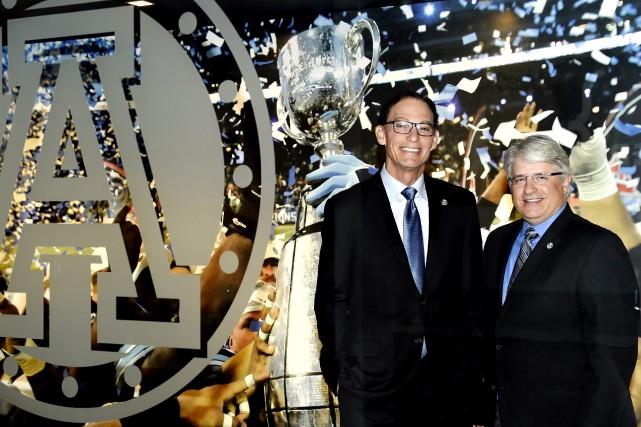 L'entraîneur Marc Trestman et le directeur général Jim... (Archives, La Presse canadienne)