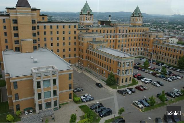 La décision du CHU de Québec de retirer... (Photothèque Le Soleil, Jean-Marie Villeneuve)