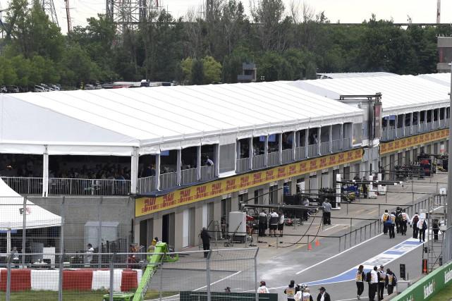 Les paddocks du circuit Gilles-Villeneuve seront finalement refaits... (Archives, La Presse)