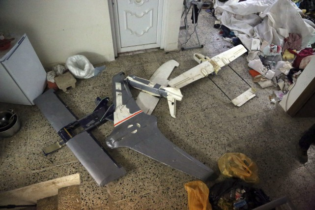 Des drones appartenant à l'EI à Mossoul, en... (Photo Khalid Mohammed, archives Assocated Press)