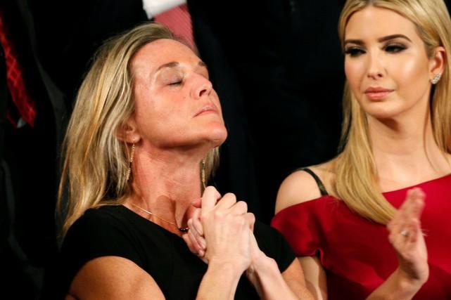 Carryn Owens et Ivanka Trump... (Photo Kevin Lamarque, Reuters)
