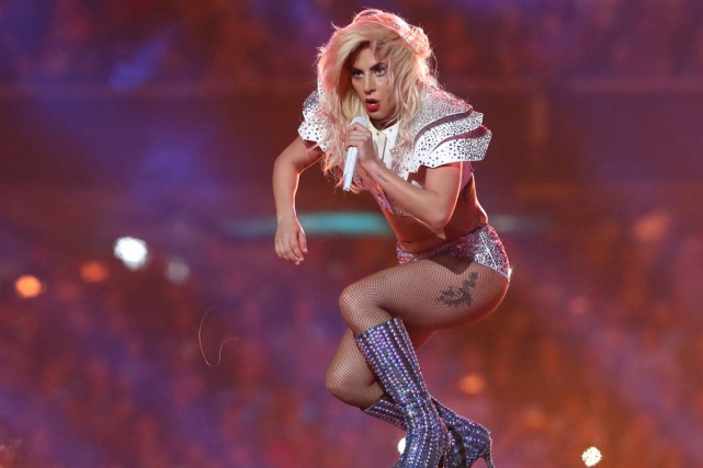 Lady Gaga lors de sa prestation au Super... (PHOTO ARCHIVES REUTERS)