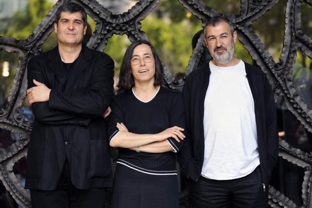 Les architectes Ramon Vilalta, Carme Pigem et Rafael... (PHOTO ARCHIVES AFP)