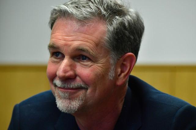 Reed Hastings, patron de Netflix, est venu présenter... (PHOTO AFP)