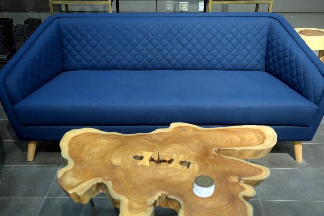 Une nouveauté chez Artemano, ce sofa Rétro couleur... (Le Soleil, Erick Labbé)