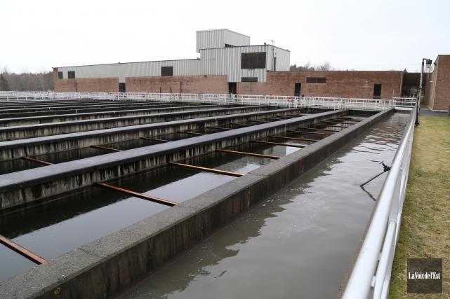 Les usines d'épuration des eaux usées municipales ne... (Janick Marois, La Voix de l'Est)