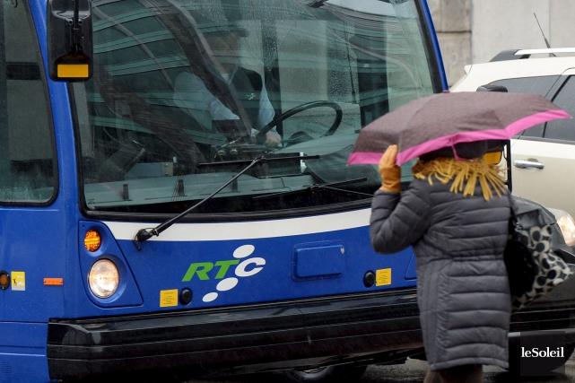 La menace de grève des chauffeurs du RTC... (Le Soleil, Erick Labbé)