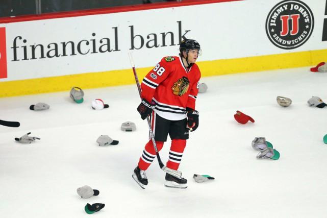 Patrick Kane a signé un deuxième tour du chapeau en trois matches et les... (PHOTO REUTERS)