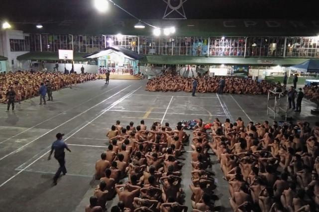 Les détenus de la prison de Cebu, dans... (Photo fournie à l'Agence France-Presse)