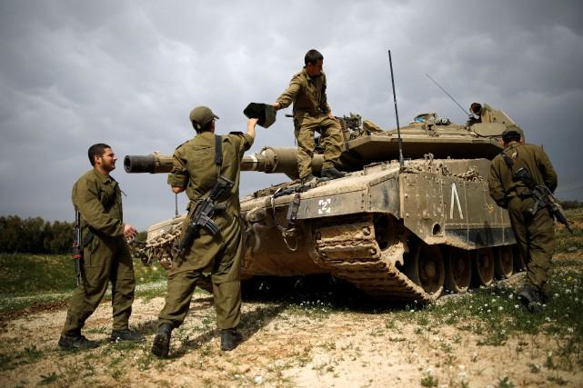 L'armée israélienne a indiqué qu'un appareil aérien et... (Photo Amir Cohen, Archives REUTERS)