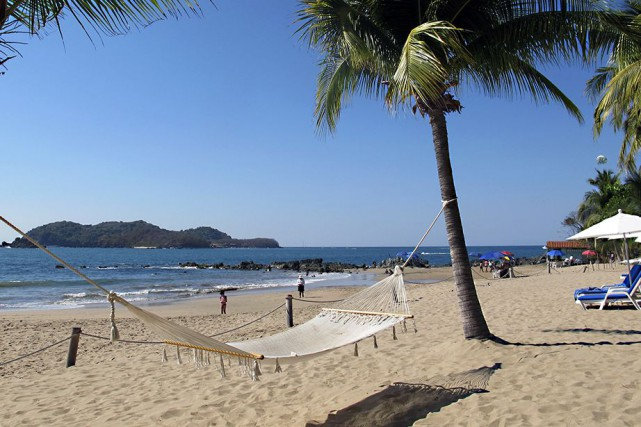 Les amoureux de la plage jettent souvent leur... (Photo Nathaëlle Morissette, La Presse)
