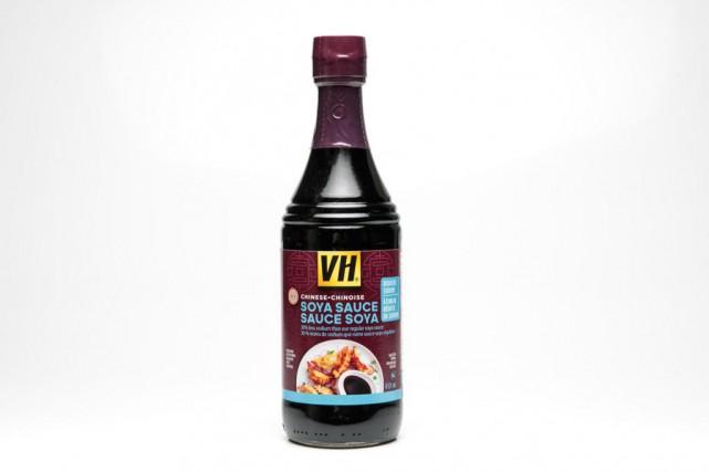 Sauce soya à teneur réduite en sodium VH,2,50$... (Photo Hugo-Sébastien Aubert, La Presse)