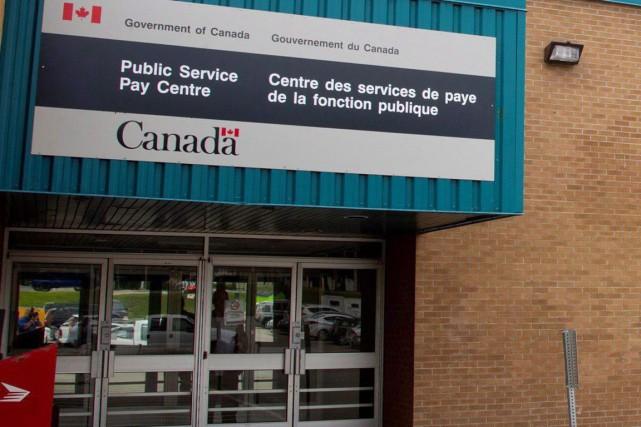 Les ratés du système Phénix affectent un grand... (Archives La Presse canadienne)