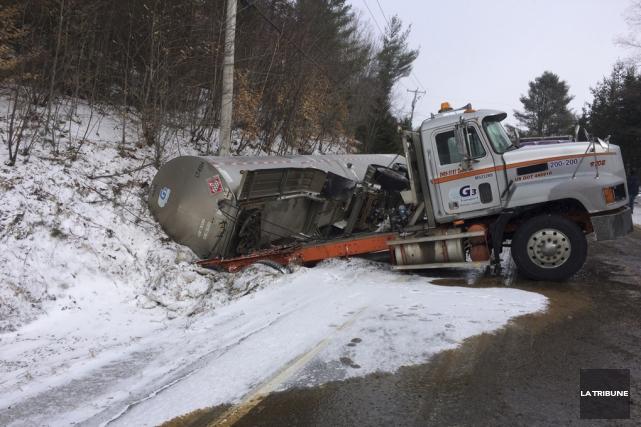 Au moment où le camionneur a perdu la... (La Tribune)