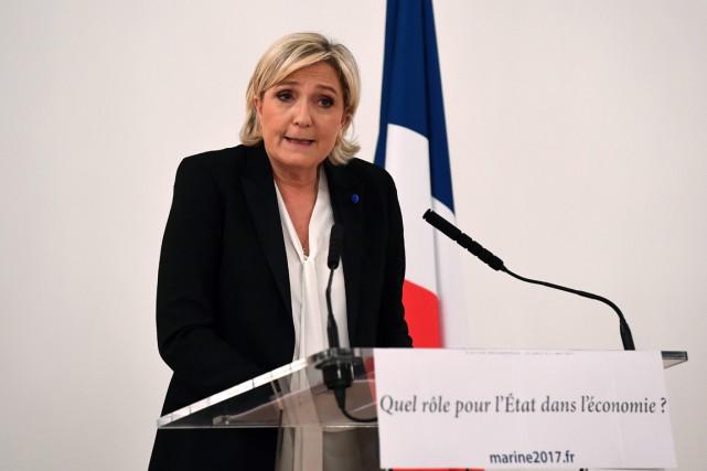 La dirigeante d'extrême droite française Marine Le Pen... (PHOTO GABRIEL BOUYS, AGENCE FRANCE-PRESSE)
