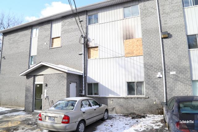 Les dommages ont été limités à l'appartement du... (Janick Marois, La Voix de l'Est)