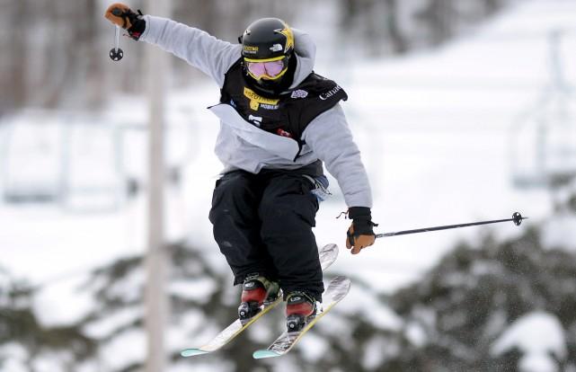 Le skieur acrobatique Alex Belemare a pris le... (Le Soleil)