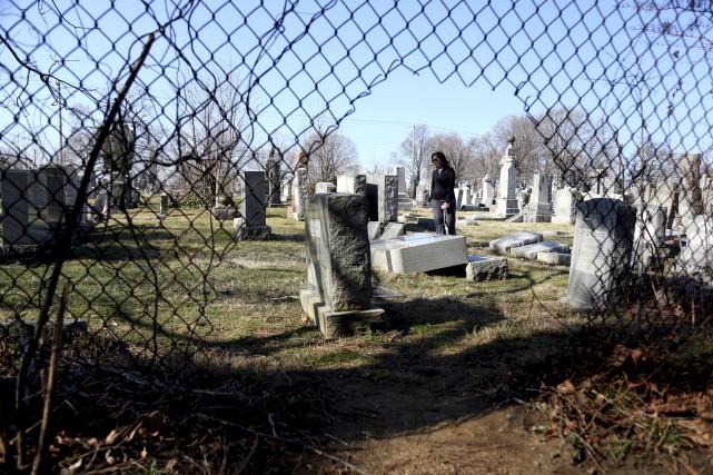Le fait que trois cimetières juifs aient été... (AP, Jacqueline Larma)