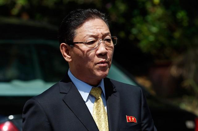 L'ambassadeur de la Corée du Nord Kang Chol... (PHOTO Vincent Thian, ARCHIVES ASSOCIATED PRESS)