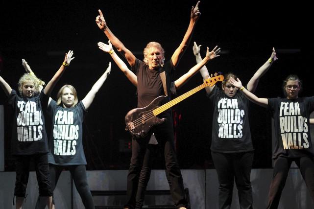 Roger Waters sur les Plaines en compagnie de... (Photothèque Le Soleil, Erick Labbé)