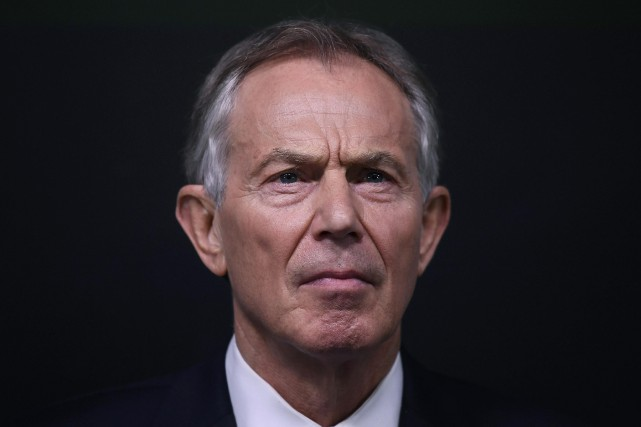 L'ancien premier ministre anglais Tony Blair a rencontré Jared... (PHOTO Toby Melville, REUTERS)