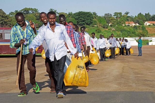 Depuis jeudi, 125 prisonniers ont été transférés de... (Photo ISAAC KASAMANI, AFP)